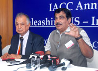 The Union Minister for Road Transport & Highways and Shipping, Shri Nitin Gadkari briefing the media, during the IACC Annual Convention on Unleashing US-India Economic Synergy, in Mumbai on August 22, 2016.