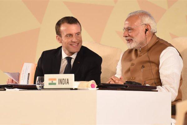 Macron, Modi